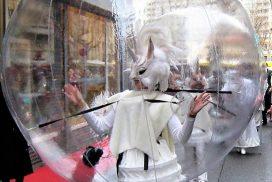 ico parade blanche ou noel en bulles parade de rue deambulation mairies villages de noel spectacle de rue marseille paris lyon toulouse nice paca france
